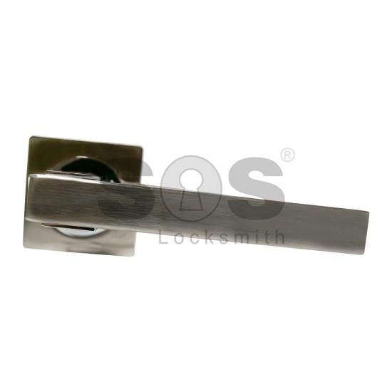 Дръжка за брава Quadra с розетка